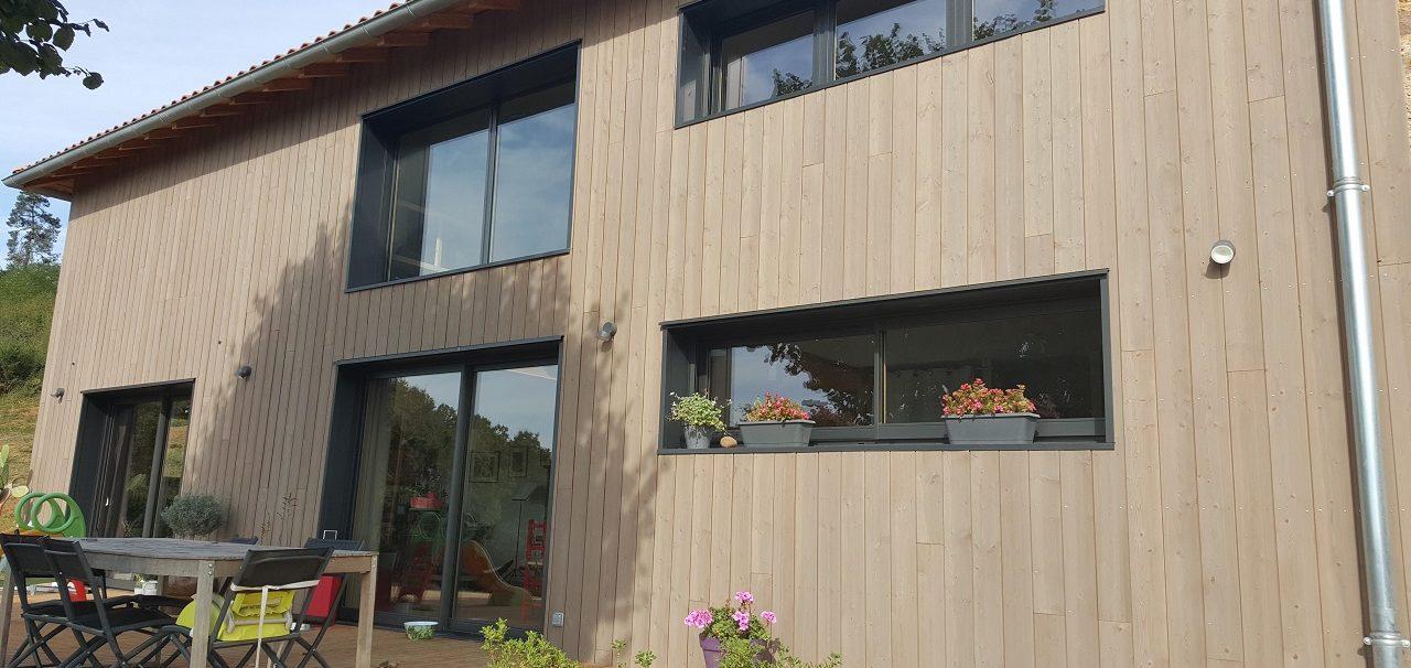 Maison en oxylames de bois